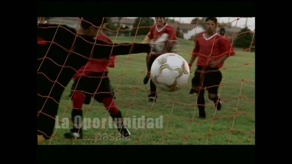 La Fundación para una Vida Mejor TV Spot, 'La Oportunidad' [Spanish] - Screenshot 10