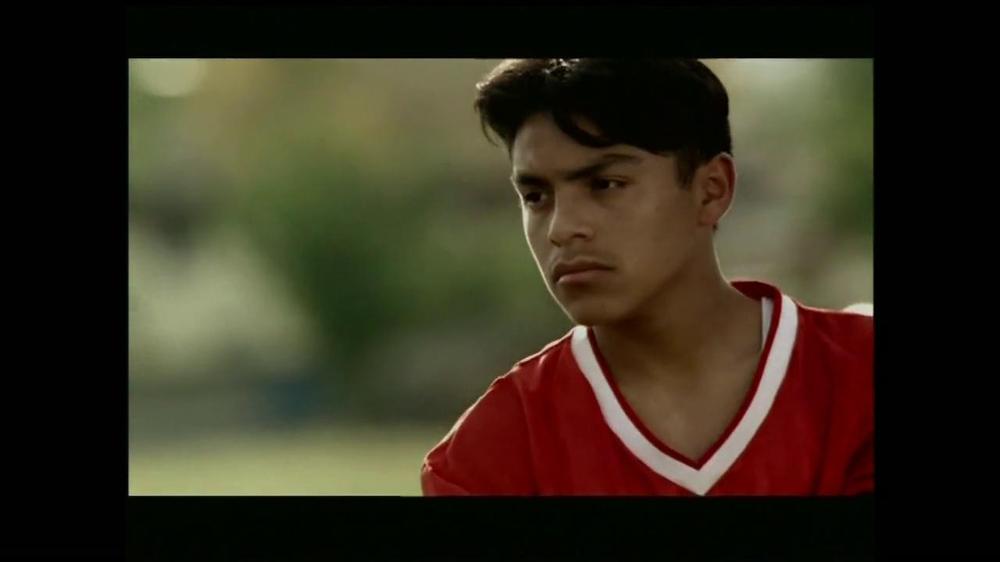 La Fundación para una Vida Mejor TV Spot, 'La Oportunidad' [Spanish] - Screenshot 2