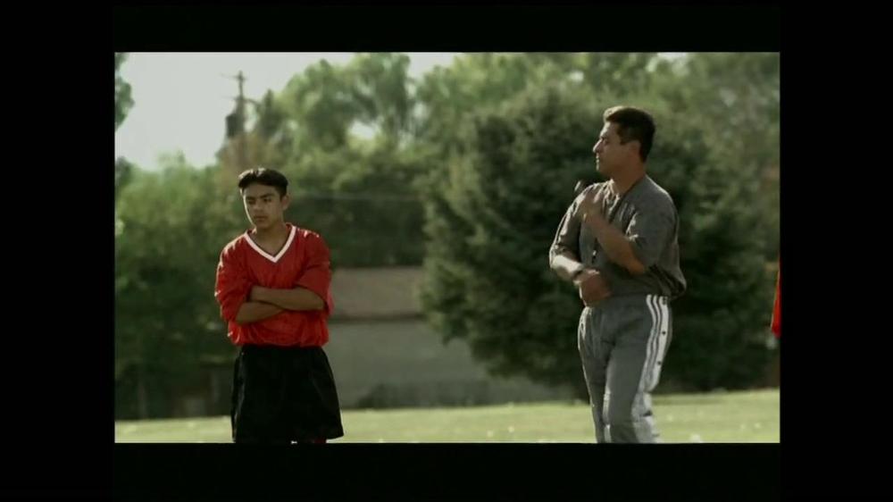 La Fundación para una Vida Mejor TV Spot, 'La Oportunidad' [Spanish] - Screenshot 4