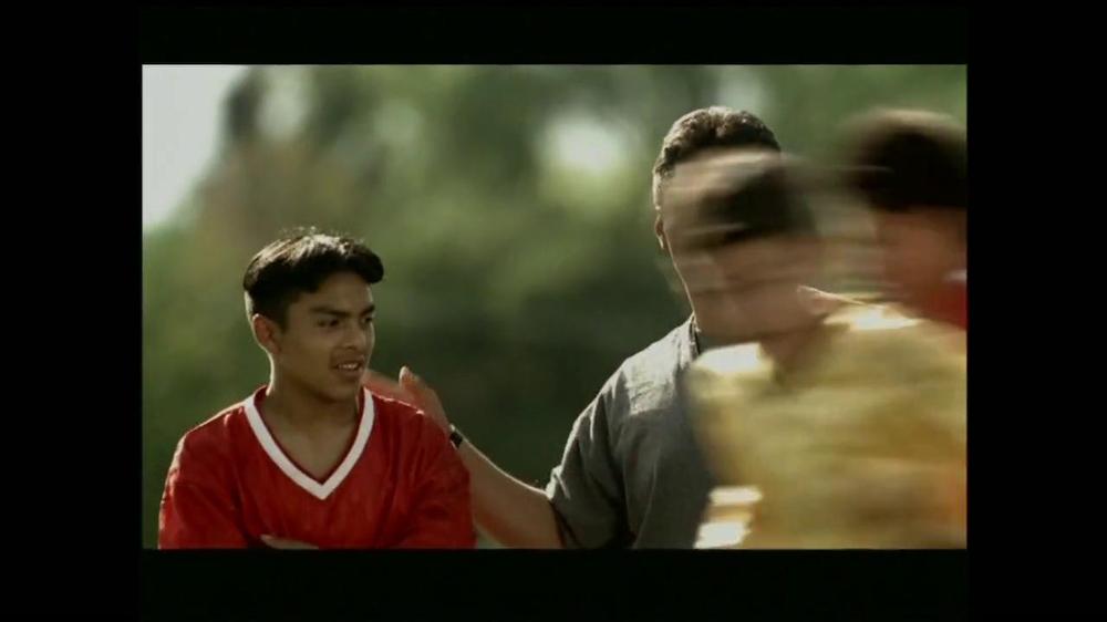 La Fundación para una Vida Mejor TV Spot, 'La Oportunidad' [Spanish] - Screenshot 6