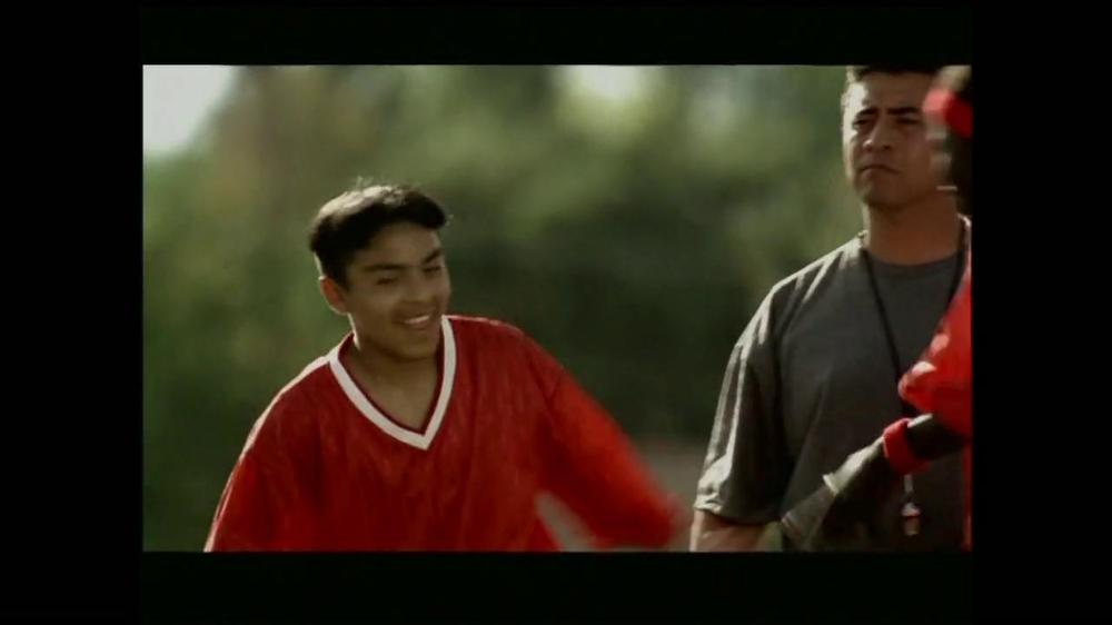 La Fundación para una Vida Mejor TV Spot, 'La Oportunidad' [Spanish] - Screenshot 7