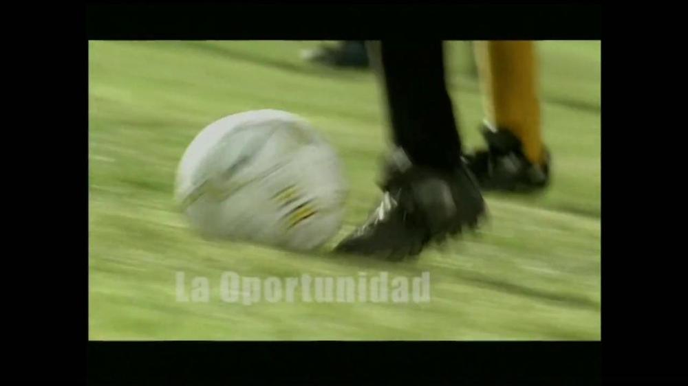 La Fundación para una Vida Mejor TV Spot, 'La Oportunidad' [Spanish] - Screenshot 8