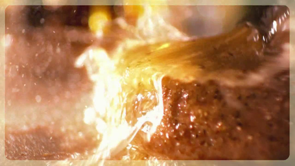 Chili's Steak Lovers Special TV Spot - Screenshot 2