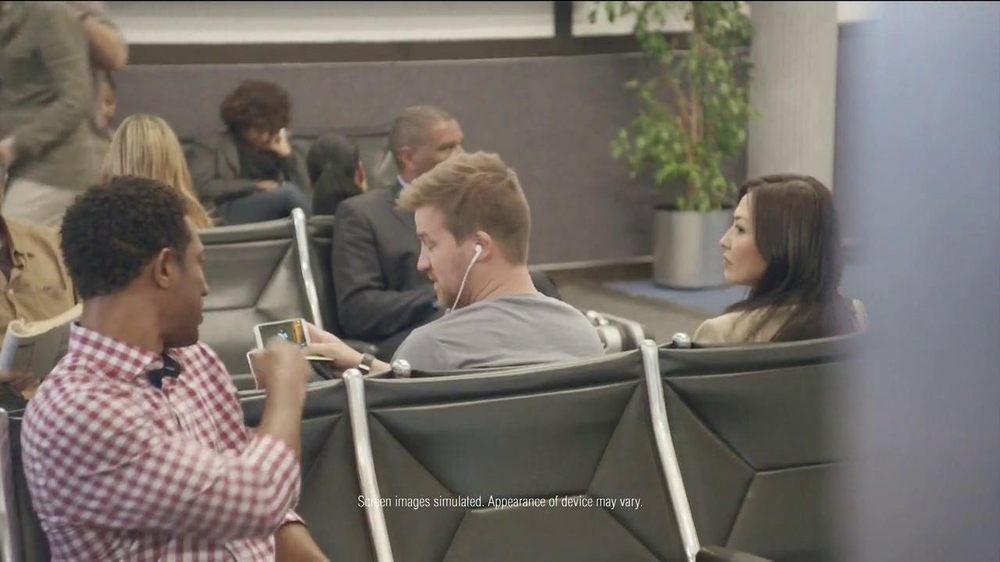 Samsung Galaxy S4 TV Spot, 'Layover' - Screenshot 3