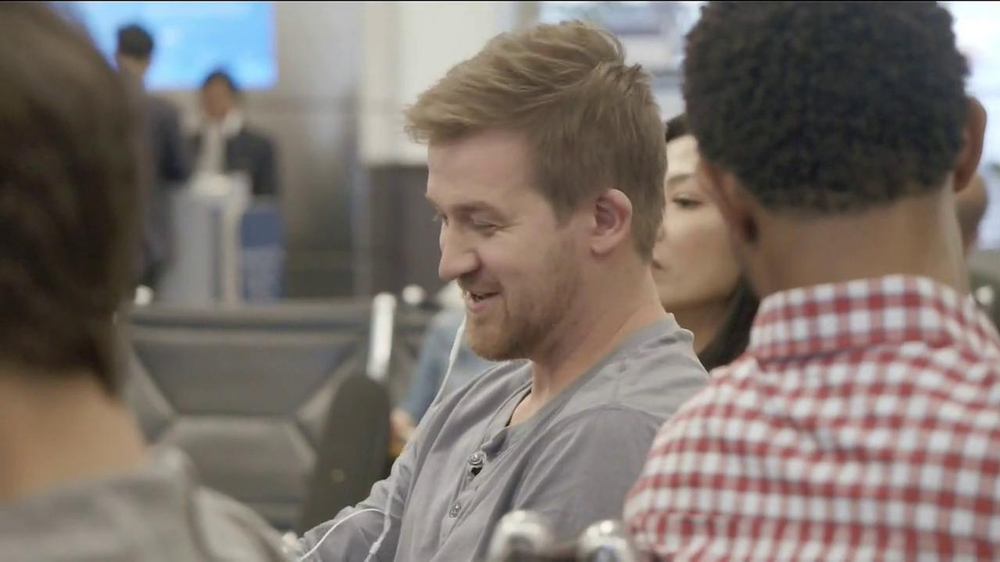 Samsung Galaxy S4 TV Spot, 'Layover' - Screenshot 4