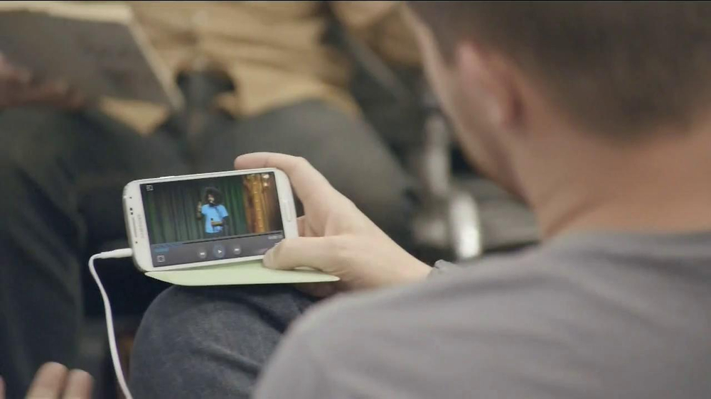 Samsung Galaxy S4 TV Spot, 'Layover' - Screenshot 6
