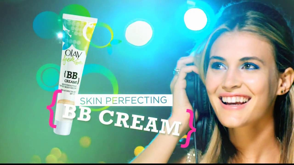 Olay Fresh Effects Skin Care TV Spot - Screenshot 8