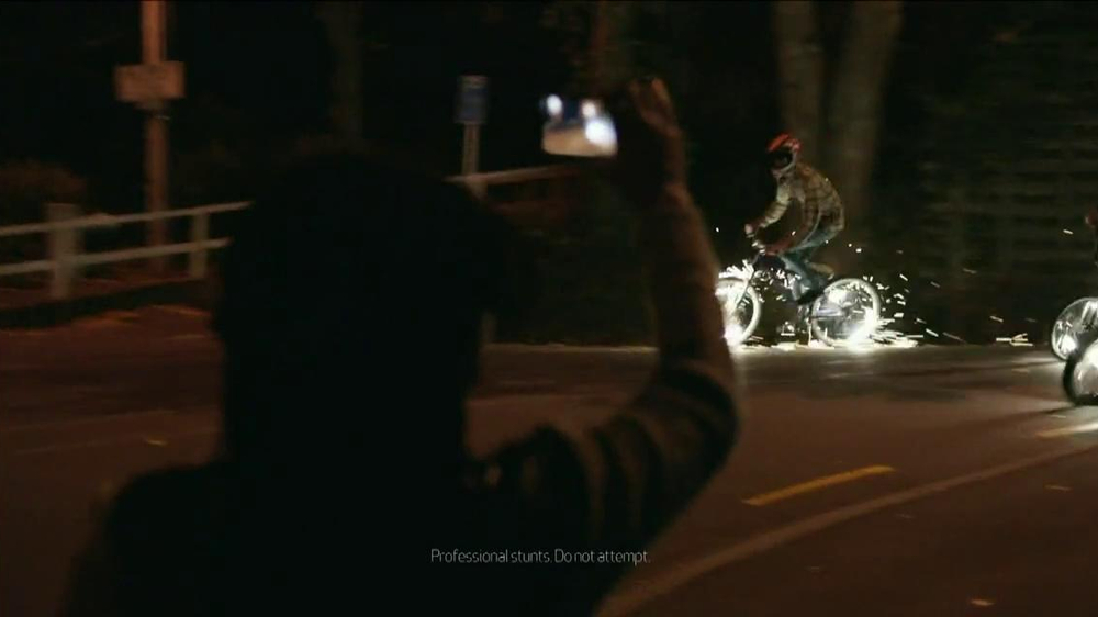 Verizon TV Spot, 'Sparklers' - Screenshot 5