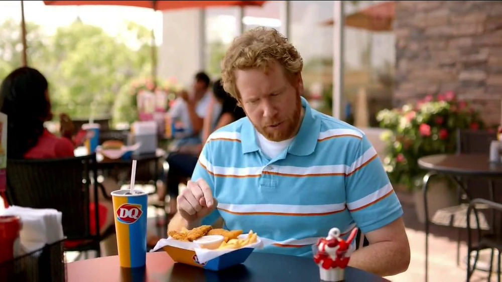 Dairy Queen TV Spot, 'Fan Foods: 5 Buck Lunch' - Screenshot 3