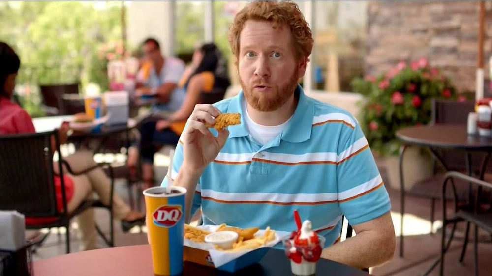 Dairy Queen TV Spot, 'Fan Foods: 5 Buck Lunch' - Screenshot 7