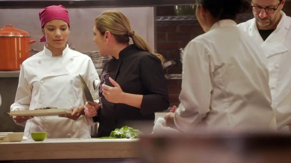 Taco Bell Cantina Double Steak Quesadilla TV Spot, 'Waving Knife' - Screenshot 2