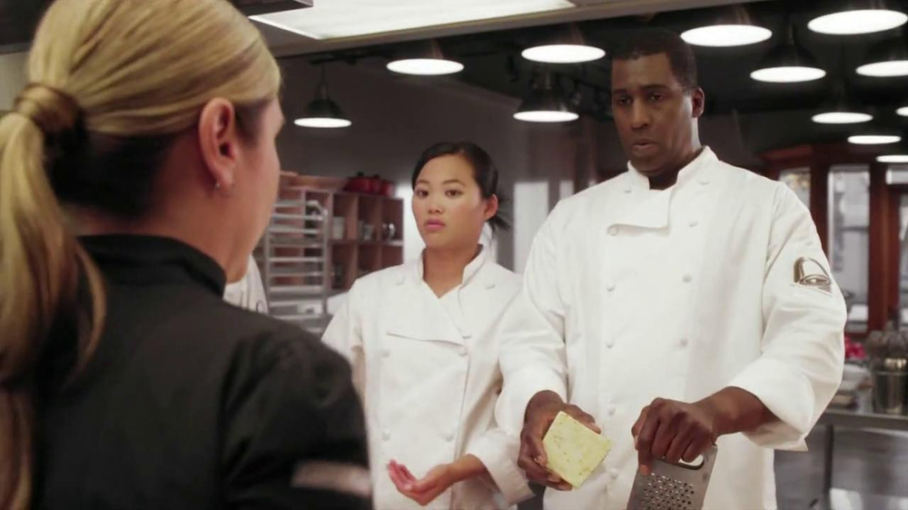 Taco Bell Cantina Double Steak Quesadilla TV Spot, 'Waving Knife' - Screenshot 5