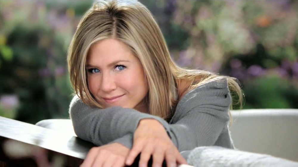 aveeno positively radiant tv spot manchas con jennifer aniston spanish