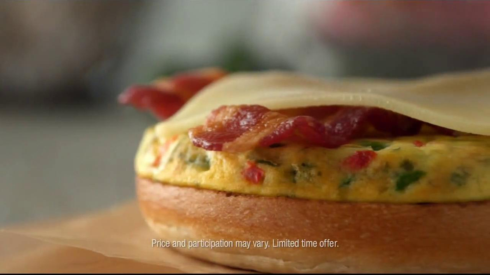 Dunkin' Donuts Hot & Spicy Sandwich TV Spot - Screenshot 6