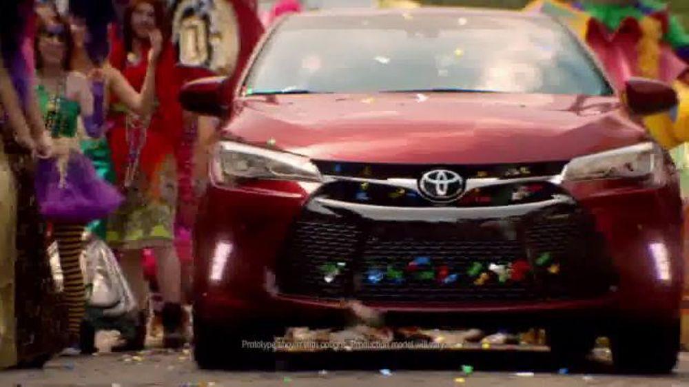 2015 Toyota Camry TV Spot, 'The Bucket List Trip' - Screenshot 2