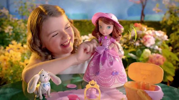 Sofia the First Tea Party Picnic Doll TV Spot, 'Cupcakes, Tea and Clover' thumbnail