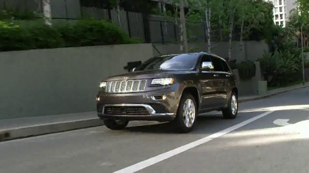 2015 jeep cherokee tv commercial 39 emerald city 39 song by perry como. Cars Review. Best American Auto & Cars Review