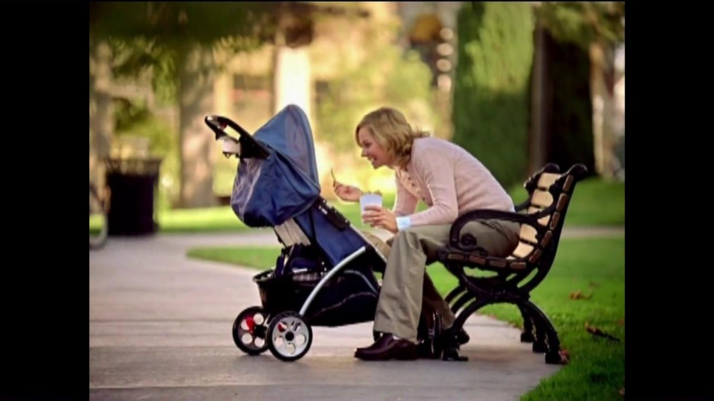 V8 Juice TV Spot, 'Mommy's French Fry: Baby Talk' - Screenshot 2