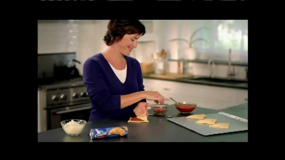 Pillsbury Crescents TV Spot, 'Crescent Pizza Pocket' - Screenshot 2
