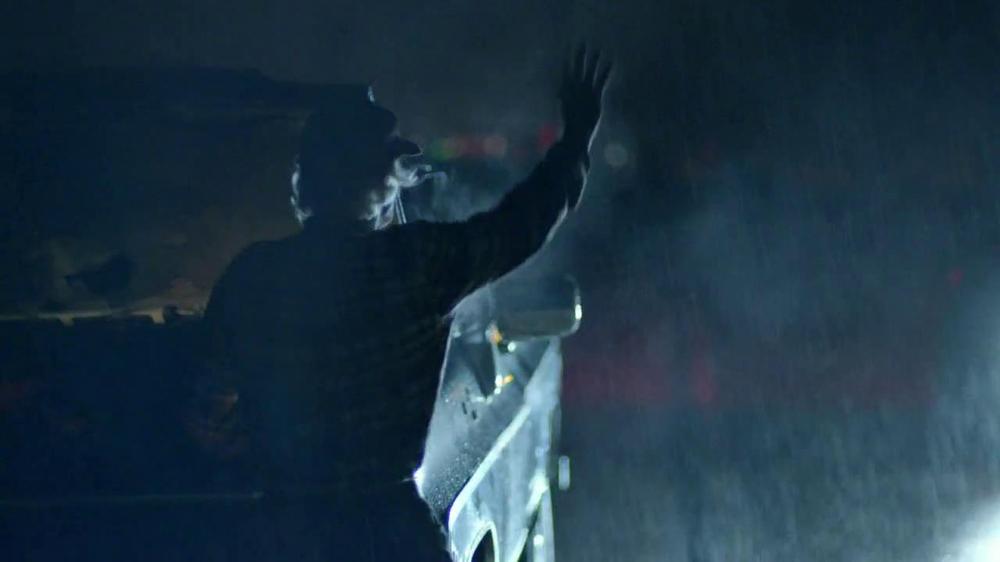 Cadillac XTS TV Spot, 'Night Out' Song by Victory  - Screenshot 3