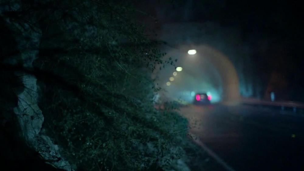 Cadillac XTS TV Spot, 'Night Out' Song by Victory  - Screenshot 4