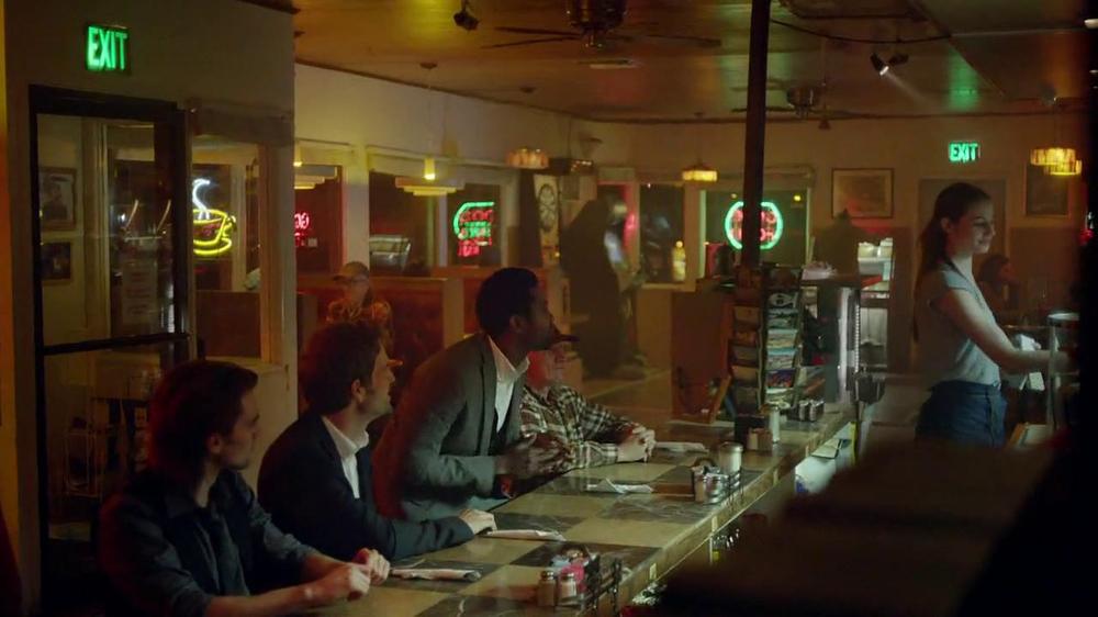 Cadillac XTS TV Spot, 'Night Out' Song by Victory  - Screenshot 6