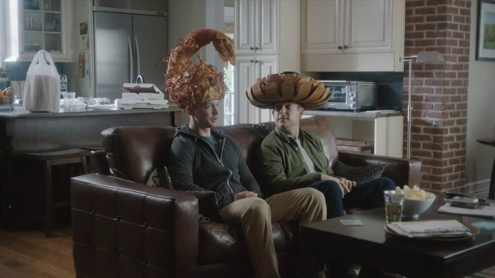 Outback Steakhouse TV Spot, 'Free Bloomin' Onion or Coconut Shrimp' - Screenshot 2