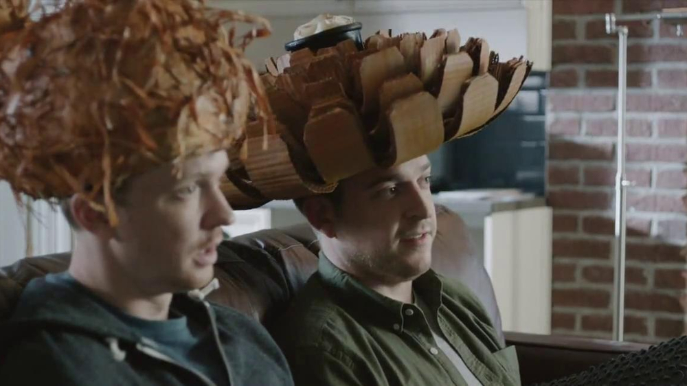Outback Steakhouse TV Spot, 'Free Bloomin' Onion or Coconut Shrimp' - Screenshot 4