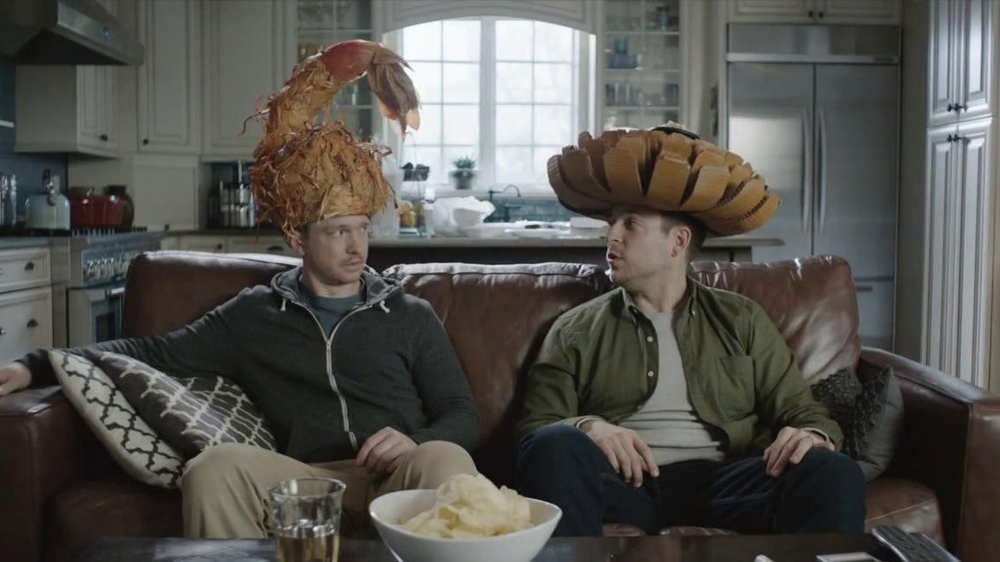 Outback Steakhouse TV Spot, 'Free Bloomin' Onion or Coconut Shrimp' - Screenshot 5