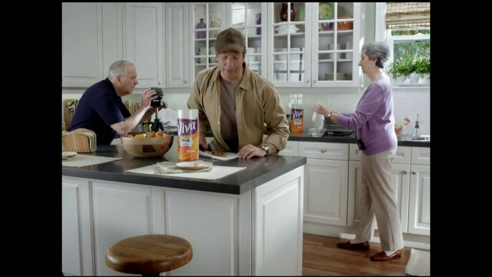 Viva Towels Tough When Wet TV Spot, 'Kitchen' Featuring Mike Rowe - Screenshot 1