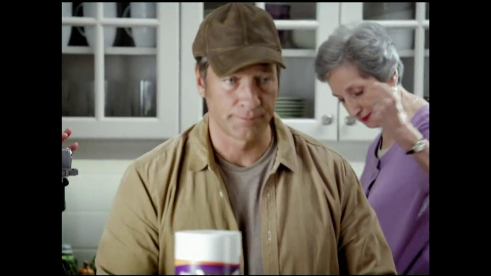 Viva Towels Tough When Wet TV Spot, 'Kitchen' Featuring Mike Rowe - Screenshot 2