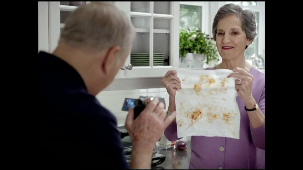 Viva Towels Tough When Wet TV Spot, 'Kitchen' Featuring Mike Rowe - Screenshot 6