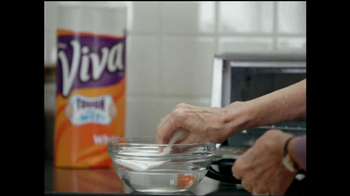 Viva Towels Tough When Wet TV Spot, 'Kitchen' Featuring Mike Rowe - Thumbnail 4