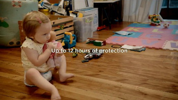 Pampers Cruisers TV Spot, 'Crawling'