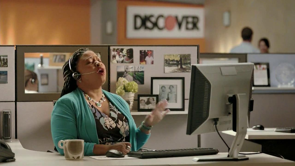 Discover Card TV Spot, 'Talk to a Real Person' - Screenshot 3