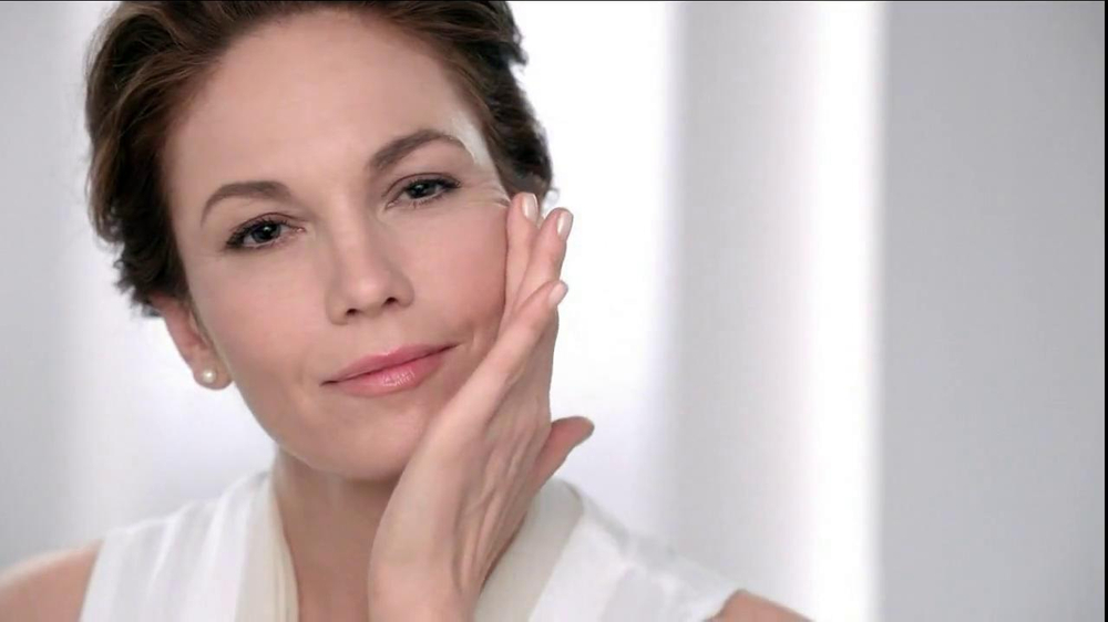 Neutrogena Rapid Wrinkle Repair TV Spot, 'Cobwebs' Featuring Diane Lane - Screenshot 4
