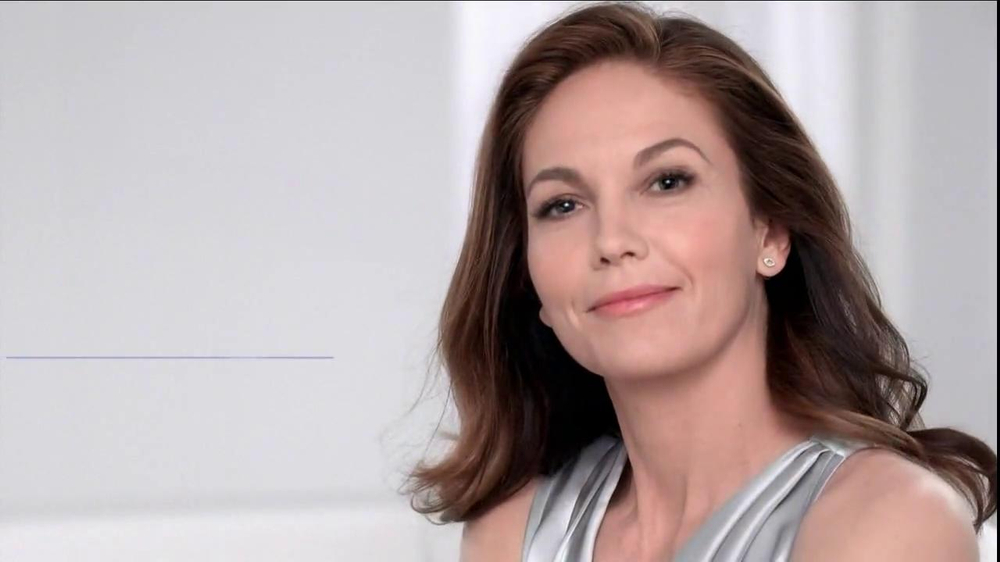 Neutrogena Rapid Wrinkle Repair TV Spot, 'Cobwebs' Featuring Diane Lane - Screenshot 6