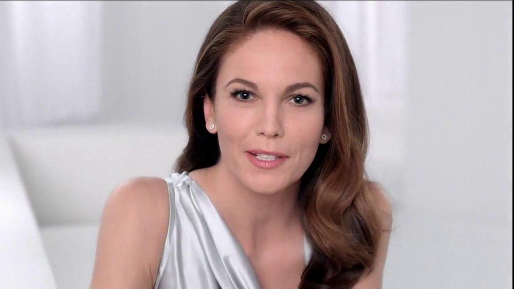 Neutrogena Rapid Wrinkle Repair TV Spot, 'Cobwebs' Featuring Diane Lane - Screenshot 7