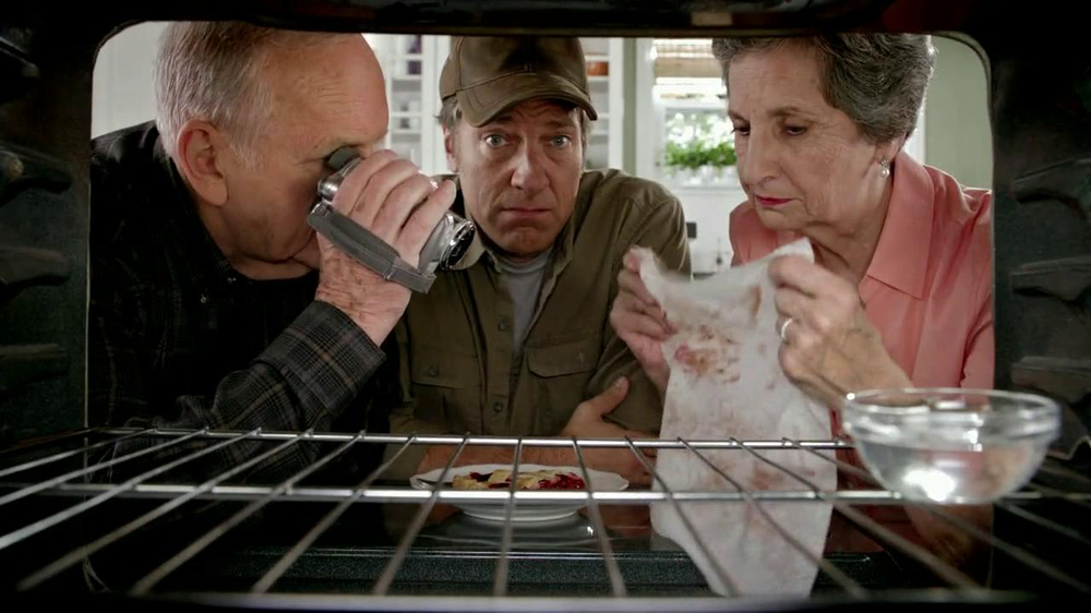 Viva Towels TV Spot, 'Viva Dare: Oven' Featuring Mike Rowe - Screenshot 6