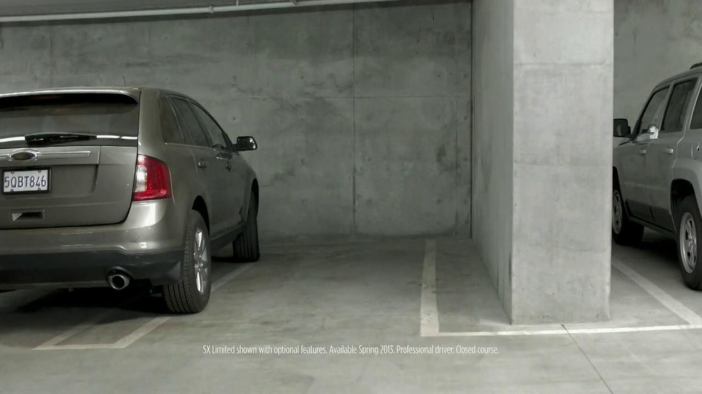 2014 Kia Sorento TV Spot, 'Parking Spot: Like a Glove' Song by Bobby Day - Screenshot 3
