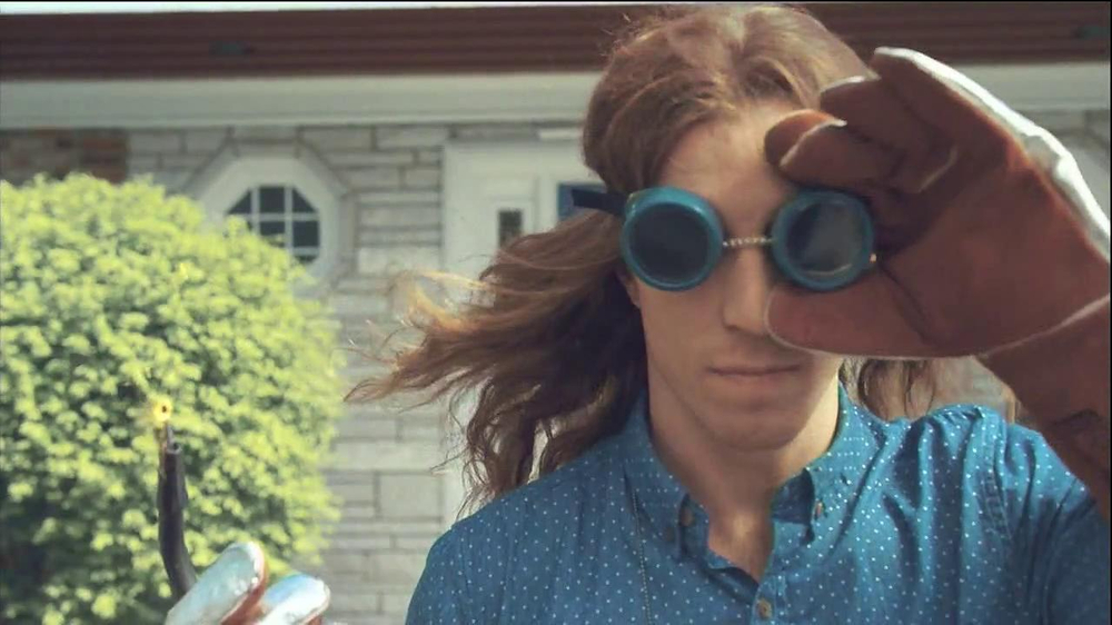 Stride Gum TV Spot, 'Short Shorts Guy' Featuring Shaun White - Screenshot 4