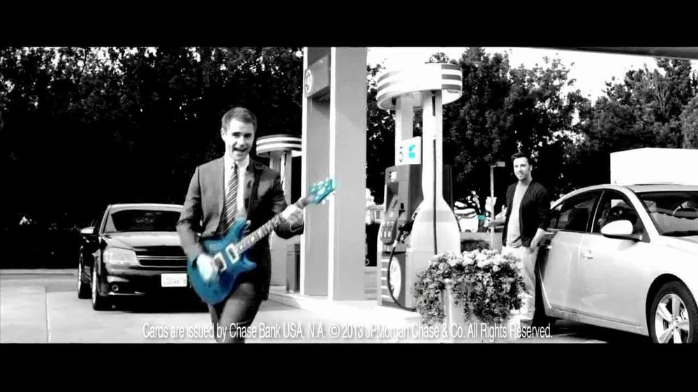 Chase Freedom TV Spot, '5% Back on Gas' Original Song by Kenny Loggins - Screenshot 6