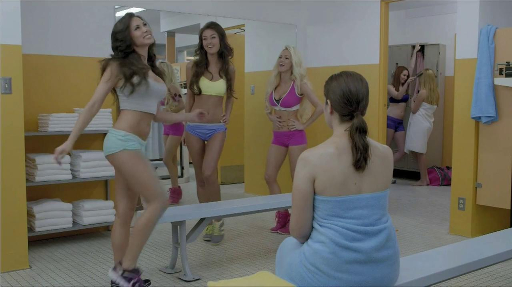 Planet Fitness TV Spot, 'Hot' - Screenshot 6