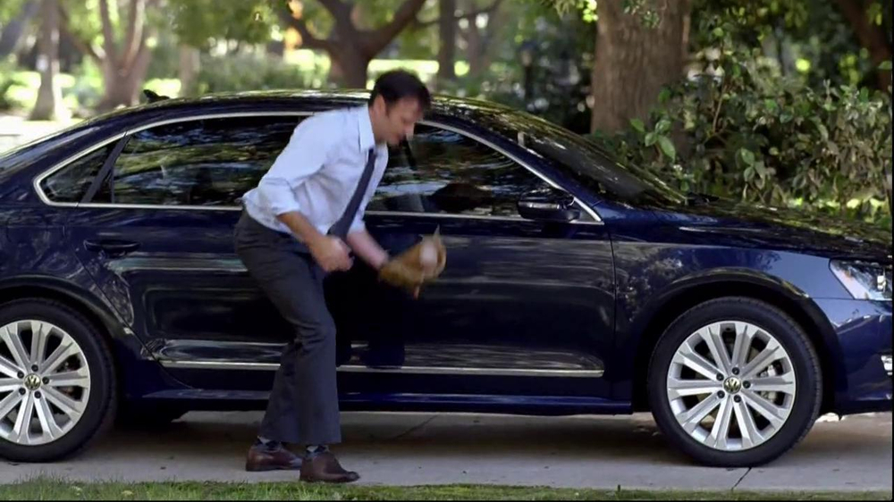 Volkswagen Passat TV Spot, 'Playing Catch' - Screenshot 3