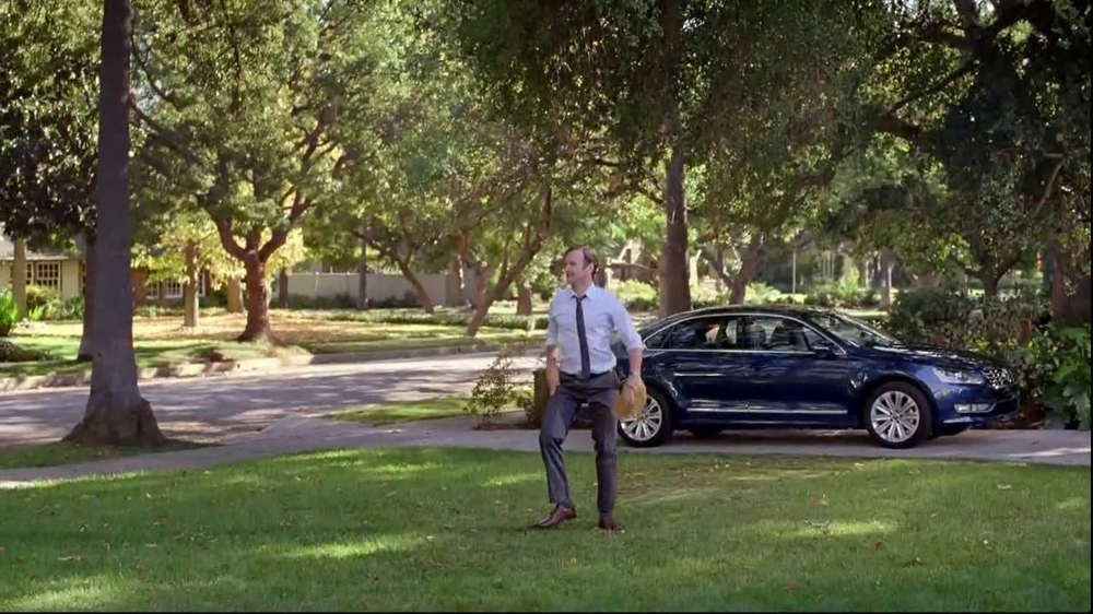 Volkswagen Passat TV Spot, 'Playing Catch' - Screenshot 8