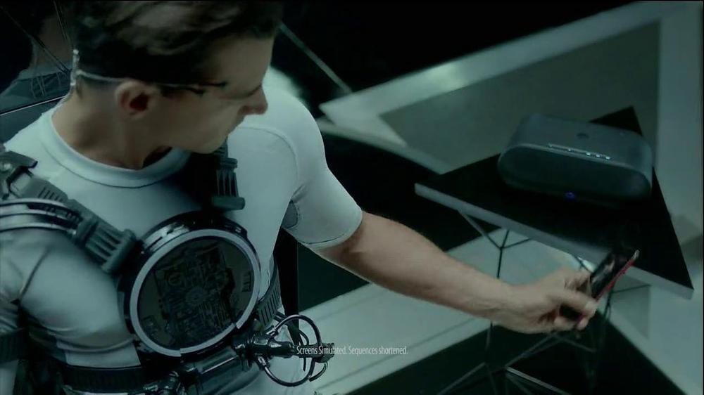 HTC Droid DNA TV Spot, 'Upgrades' Song by Dark Model - Screenshot 7