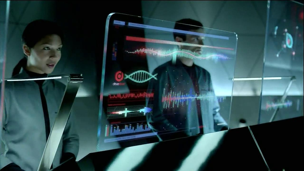 HTC Droid DNA TV Spot, 'Upgrades' Song by Dark Model - Screenshot 9