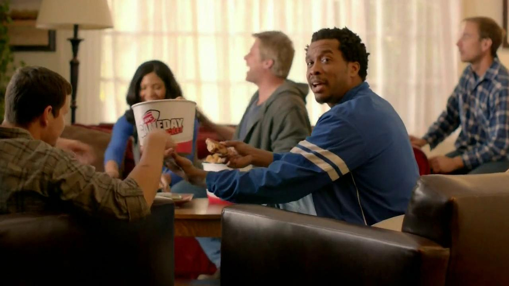 KFC Gameday Box TV Spot, 'Go Boom' - Screenshot 4