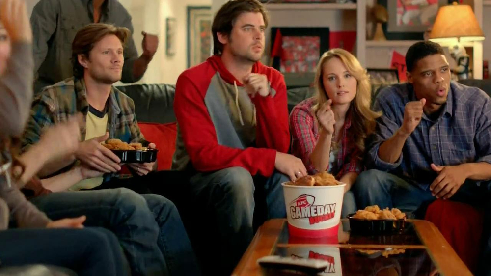 KFC Gameday Box TV Spot, 'Go Boom' - Screenshot 7