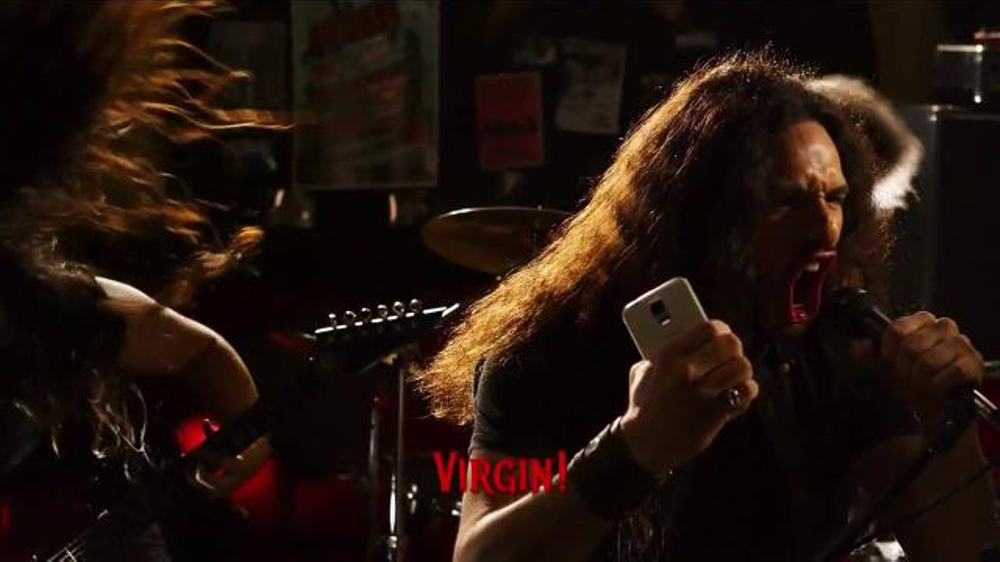 Virgin Mobile Galaxy S5 TV Spot, 'Metal Band' - Screenshot 3